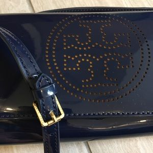 Tory Burch nwot perforated logo clutch crossbody